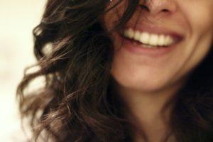 Zabiegi na włosy u specjalisty czy zrobić kurs trychologiczny?