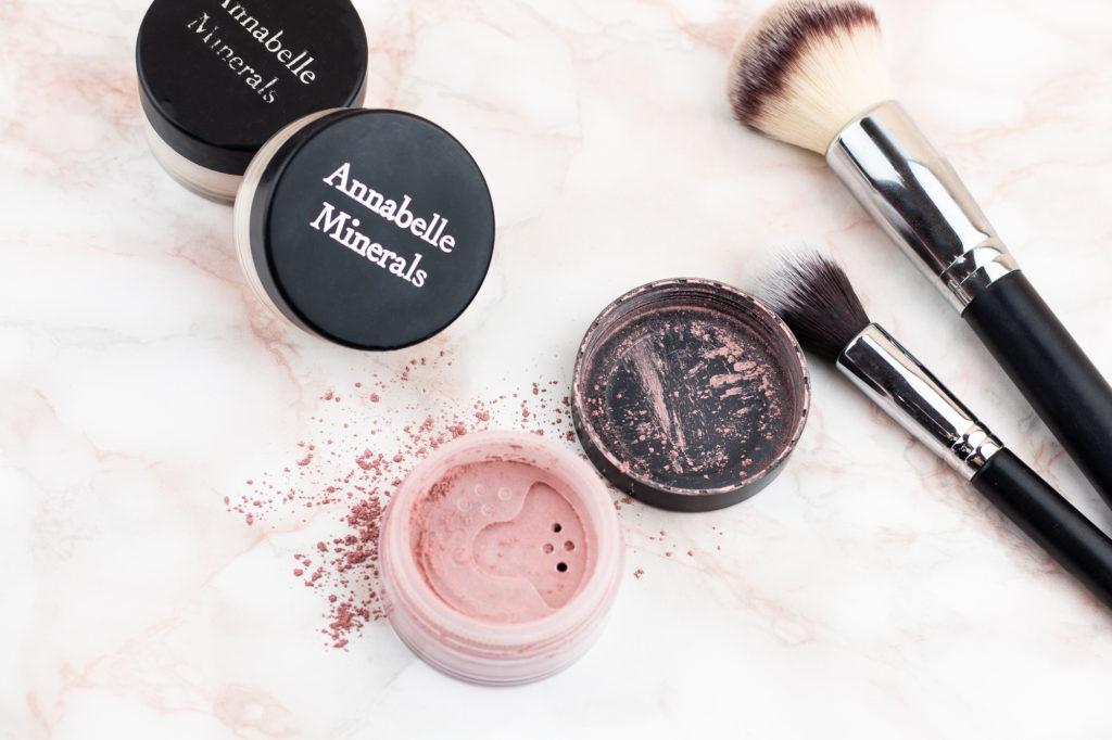 Annabelle Minerals - podkłady, róże, rozświetlacze